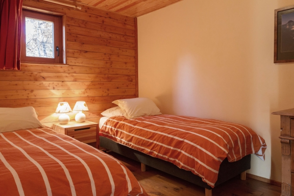 vallons_chambre_les_Vallons_2000ds.jpg